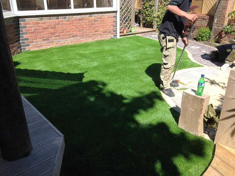 30mm Artificial Grass Garden Knaresborough Yorkshire - after