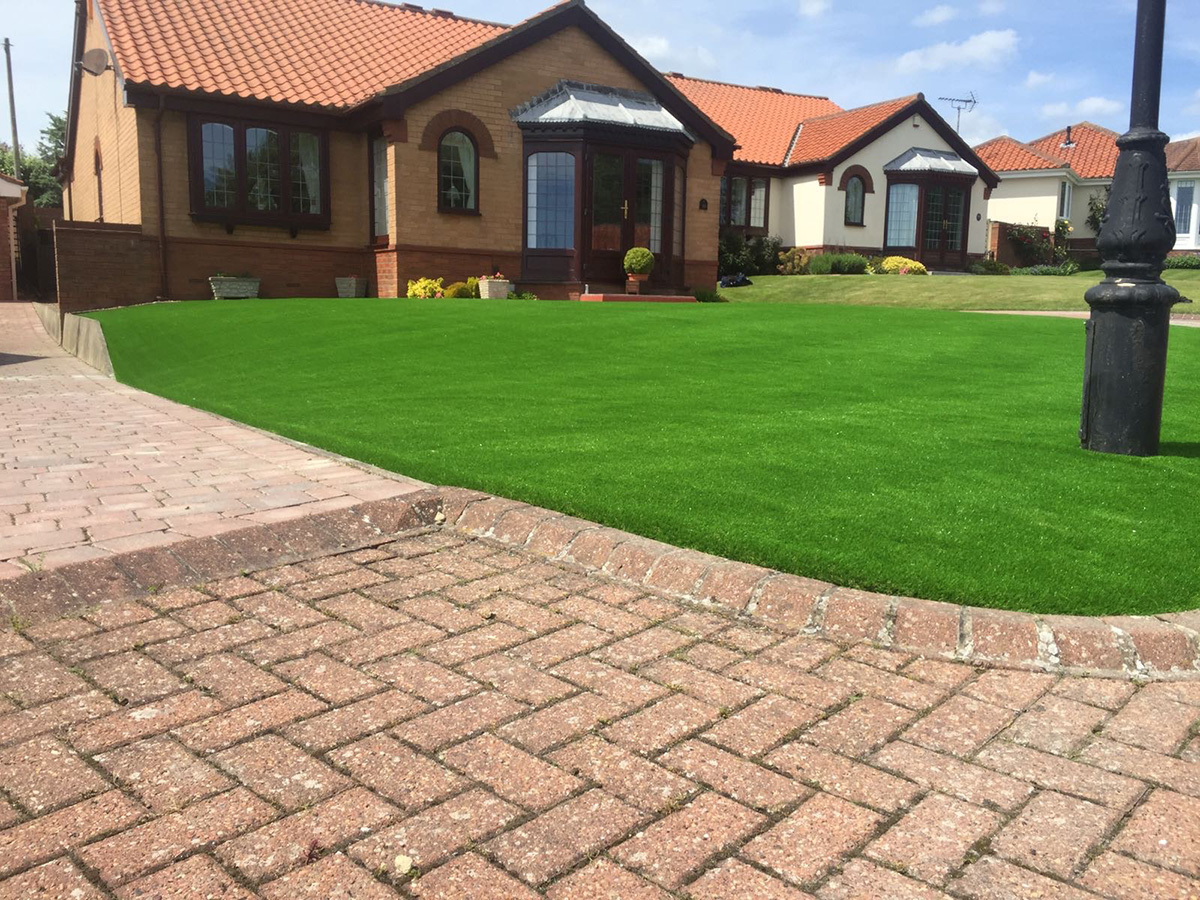 Front Garden Bridlington - After Artificial Grass