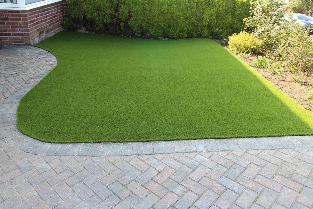 Small Front Garden Cookridge Leeds Before Artificial Grass