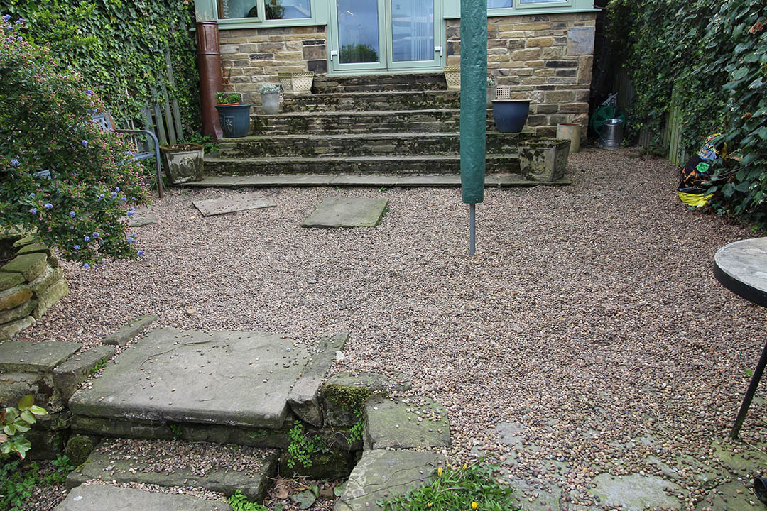 Back Garden Rawdon Leeds before Artificial Grass